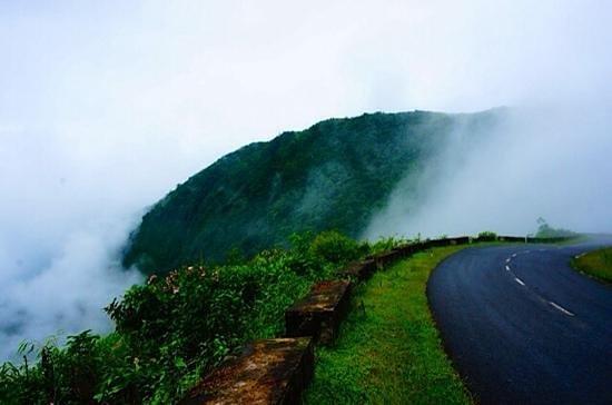 travel to shillong